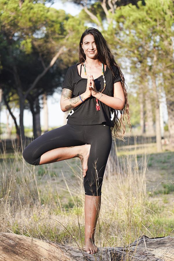 insegnante yoga per lezioni all'aperto